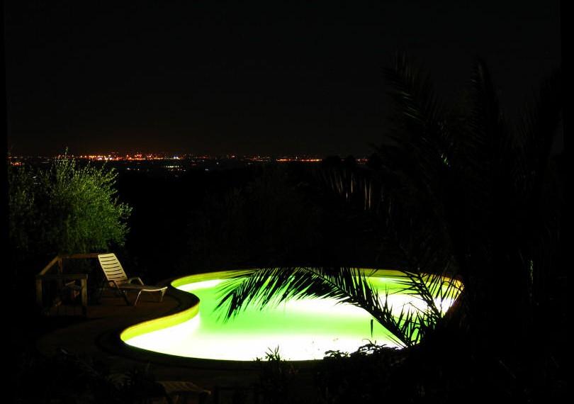 piscinanotturna1g