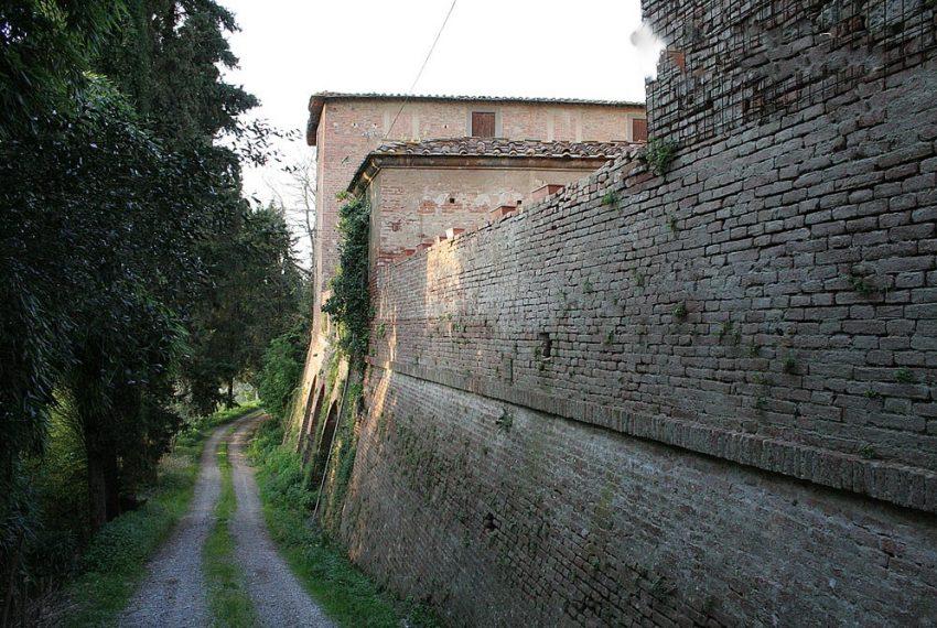 mura-del-castello-di-montebicchieri